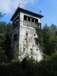 ehemaliger DDR-Kontrollturm am Pötenitzer Wiek